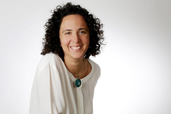 Dr. Jasmin Benser